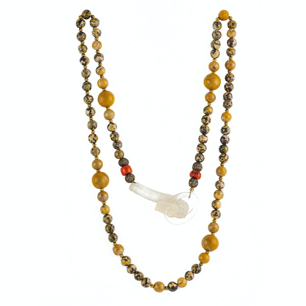 A Necklace of Agate Beads with Rock Crystal Snake Head Catch - image 2