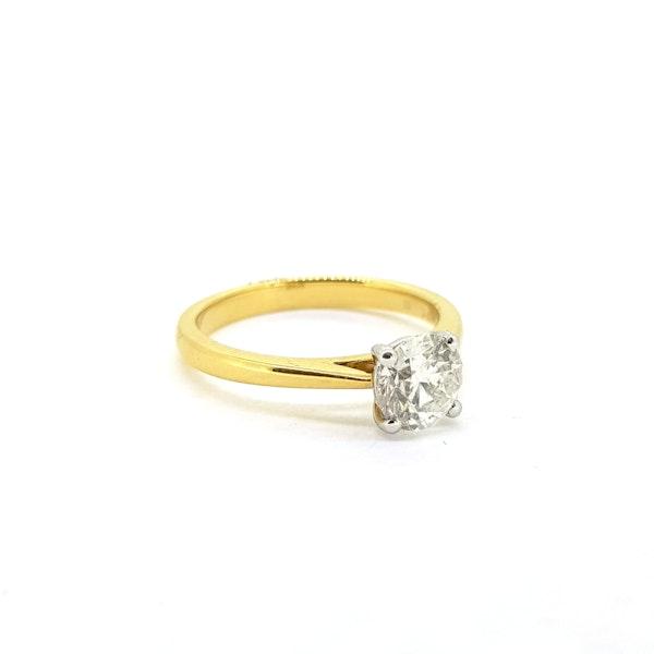 Diamond solitaire engagement ring in 18 carat gold, 1.01 carat, G colour, IGI certificate - image 3