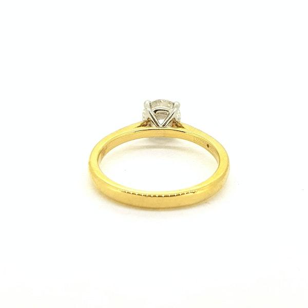 Diamond solitaire engagement ring in 18 carat gold, 1.01 carat, G colour, IGI certificate - image 2