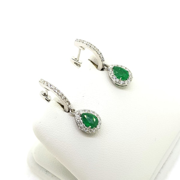 Contemporary Emerald and Diamond teardrop earrings in 18ct white gold - image 2