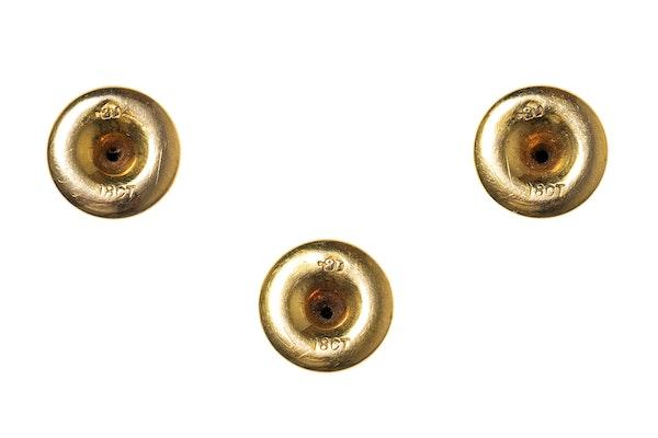 Victorian Dress Studs in 18 Carat Gold in Original Case - image 3