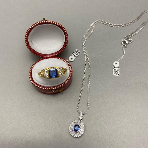 Sapphire Diamond Pendent in 18ct White Gold date circa 1990 SHAPIRO & Co since1979 - image 8