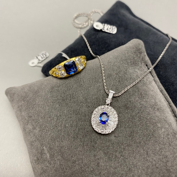 Sapphire Diamond Pendent in 18ct White Gold date circa 1990 SHAPIRO & Co since1979 - image 9