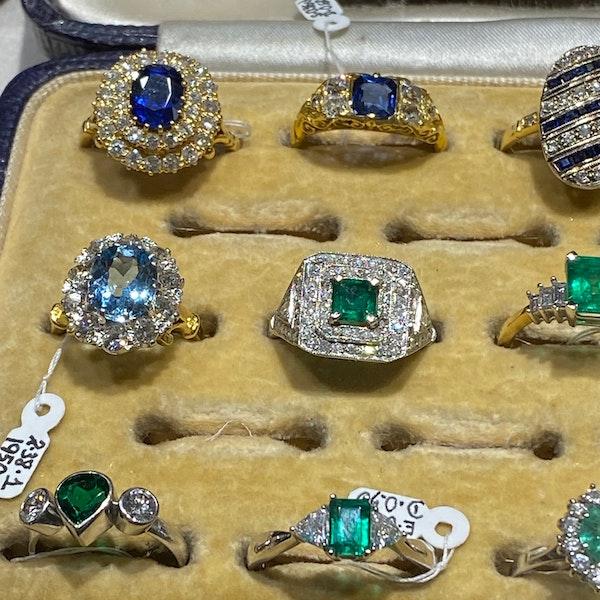 Sapphire Diamond Pendent in 18ct White Gold date circa 1990 SHAPIRO & Co since1979 - image 13