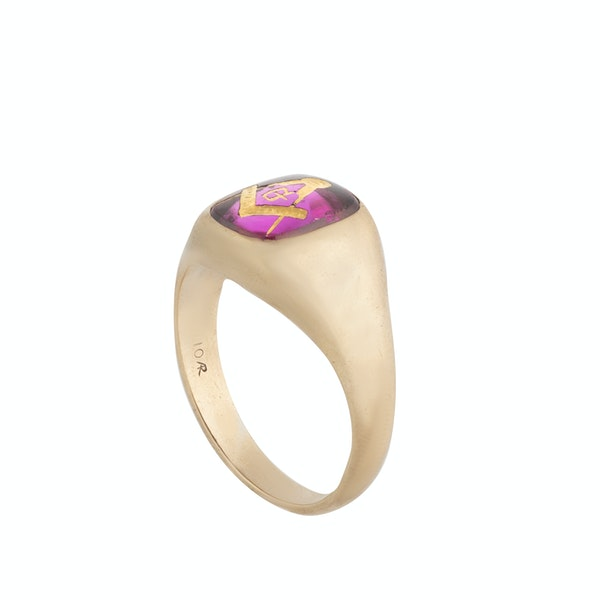 A Gold Synthetic Ruby Masonic Ring - image 2