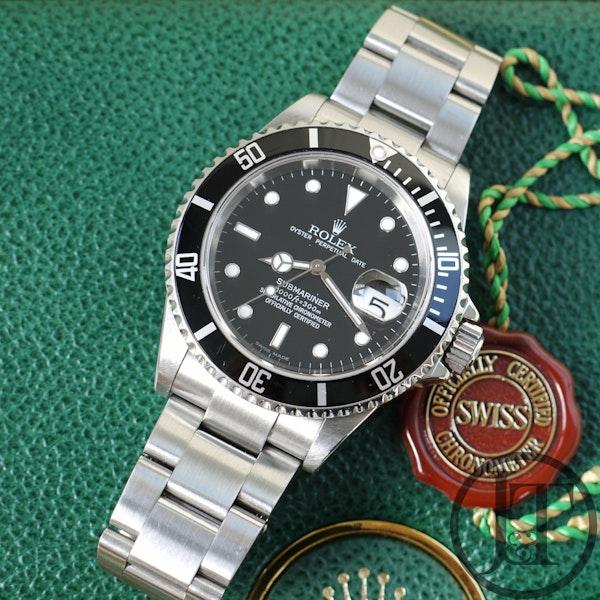 Rolex Submariner Date 16610 2004 - image 8