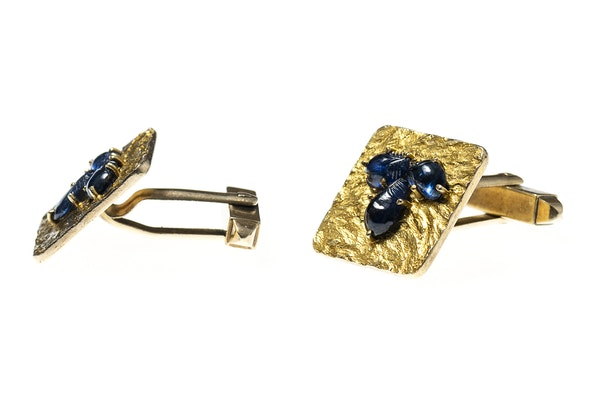 Vintage Gold Cufflinks with Sapphires & Textured Finish - image 2