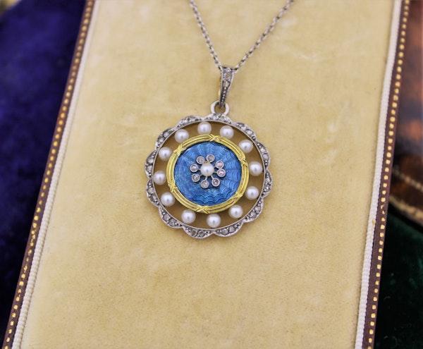 A very fine Edwardian Blue Enamel, Pearl & Diamond Pendant in 18ct Yellow Gold & Platinum, English, Circa 1905 - image 2