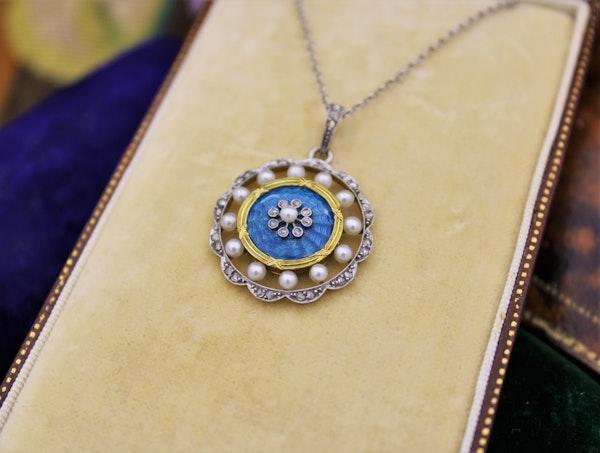 A very fine Edwardian Blue Enamel, Pearl & Diamond Pendant in 18ct Yellow Gold & Platinum, English, Circa 1905 - image 3