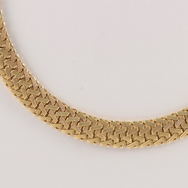 Gold Necklace in 14ct Gold date circa 1960, SHAPIRO & Co since1979 - image 3