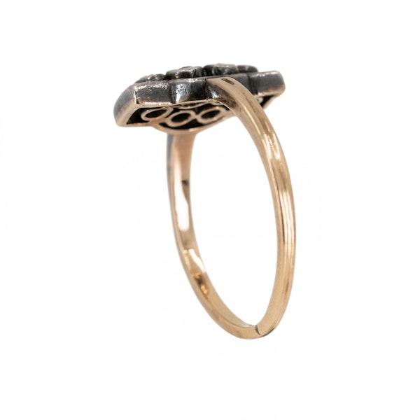 "6 stone diamond ""along the finger"" ring - image 3"