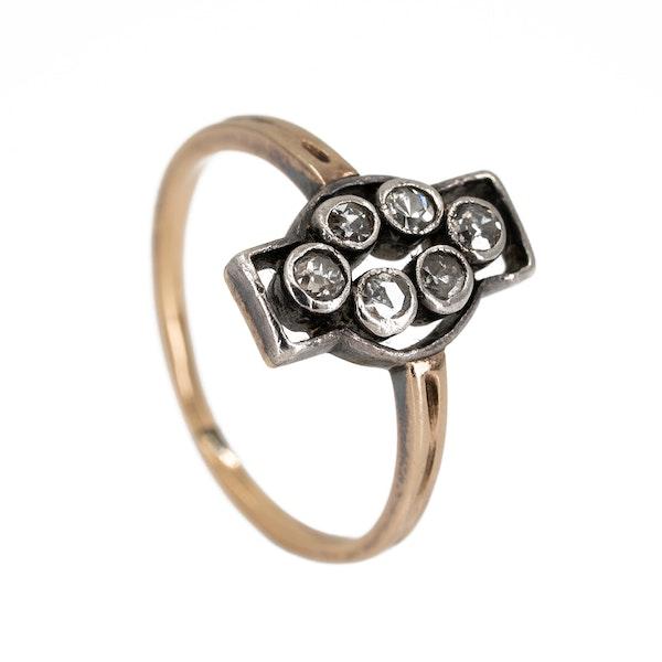 "6 stone diamond ""along the finger"" ring - image 2"