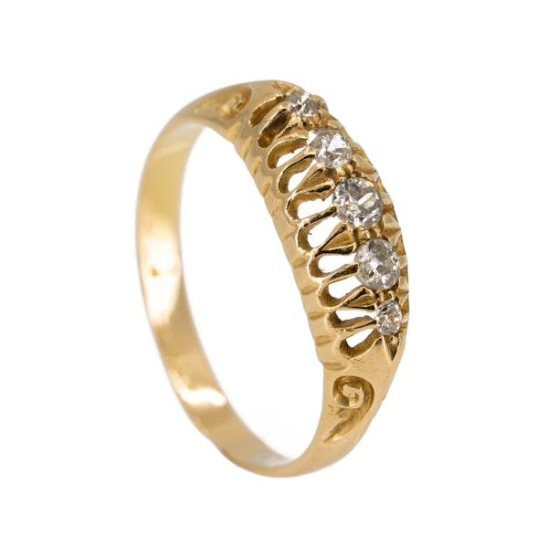 Edwardian 5 stone diamond ring in 18 ct yellow gold - image 2
