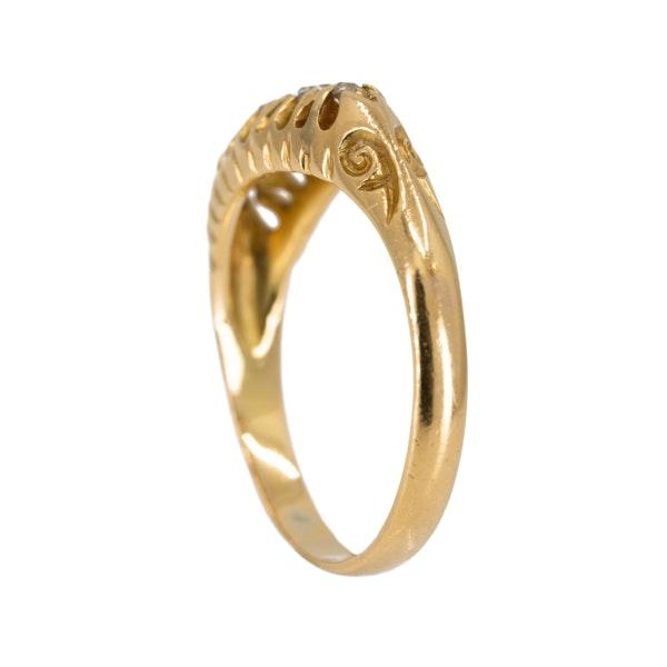 Edwardian 5 stone diamond ring in 18 ct yellow gold - image 3