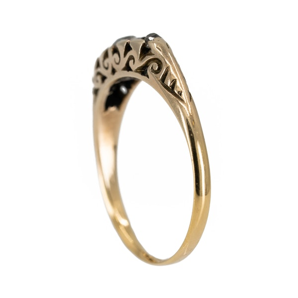 5 stone carved hoop diamond ring in 18 ct yellow gold - image 3