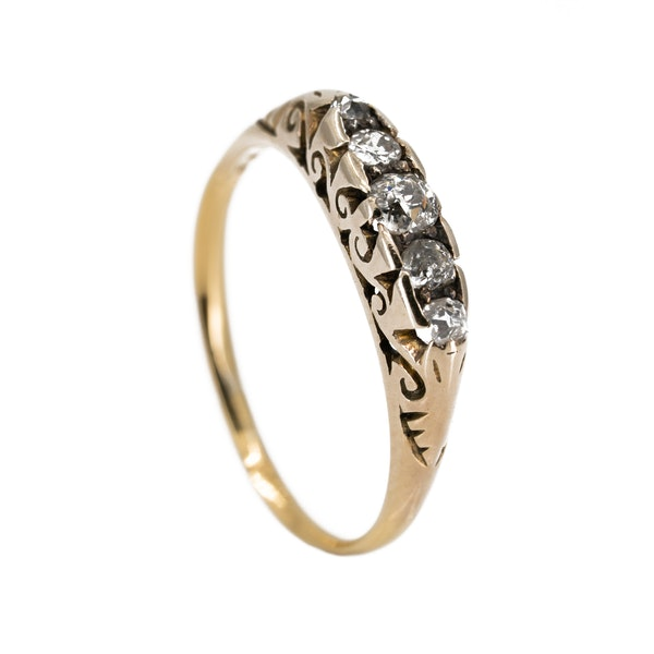 5 stone carved hoop diamond ring in 18 ct yellow gold - image 2