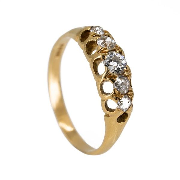 5 stone diamond ring set in 18 ct gold - image 2