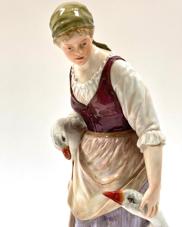 Meissen Art Nouveau figure - image 4