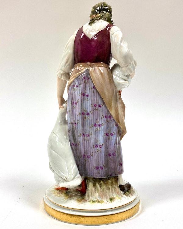 Meissen Art Nouveau figure - image 3