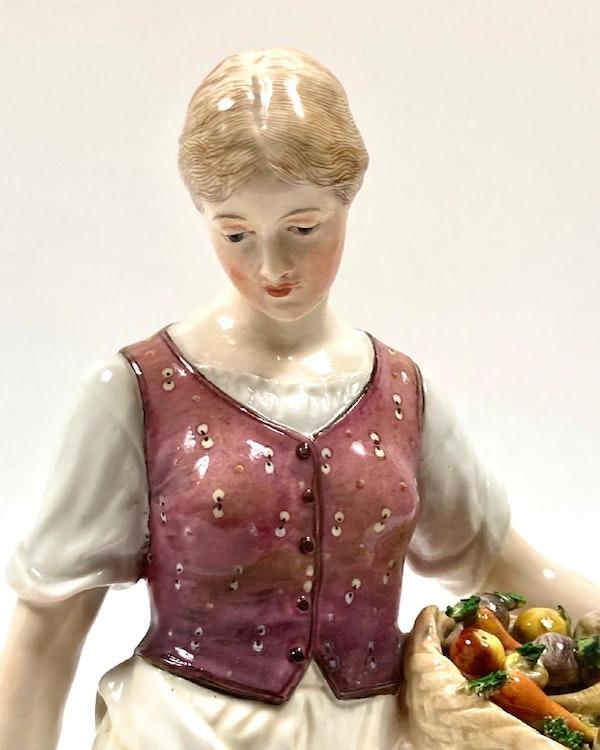 Meissen Art Nouveau figure - image 5
