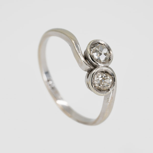 Diamond crossover ring in 9 ct white gold - image 2