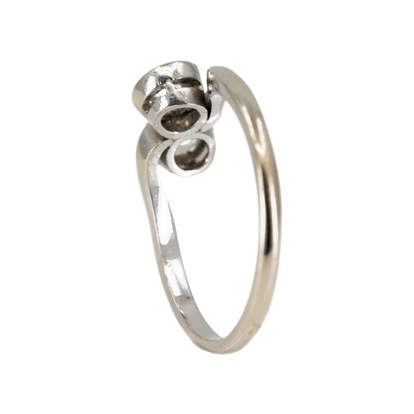 Diamond crossover ring in 9 ct white gold - image 3
