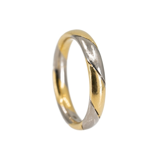 2 colour gold wedding ring set with a diamond - image 3