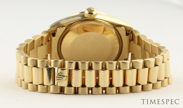 Rolex Datejust. 31mm case. Model 68278 Midsize 18K Yellow Gold with President Bracelet. Year 1994 - image 6
