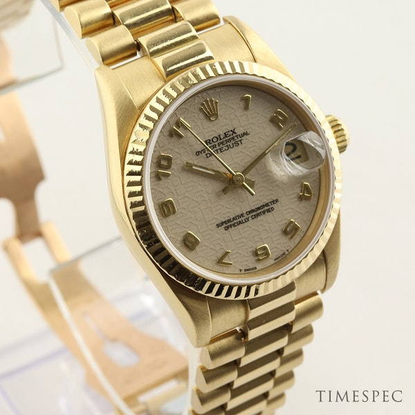 Rolex Datejust. 31mm case. Model 68278 Midsize 18K Yellow Gold with President Bracelet. Year 1994 - image 2