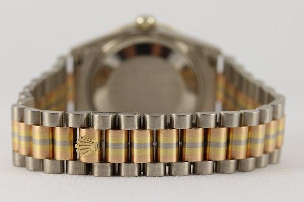 Rolex 18K Tridor Gold. 31mm. Model 68149. Midsize. Original Diamond Bezel. Year 1986 - image 7