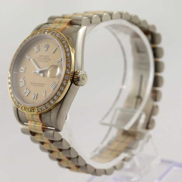 Rolex 18K Tridor Gold. 31mm. Model 68149. Midsize. Original Diamond Bezel. Year 1986 - image 4