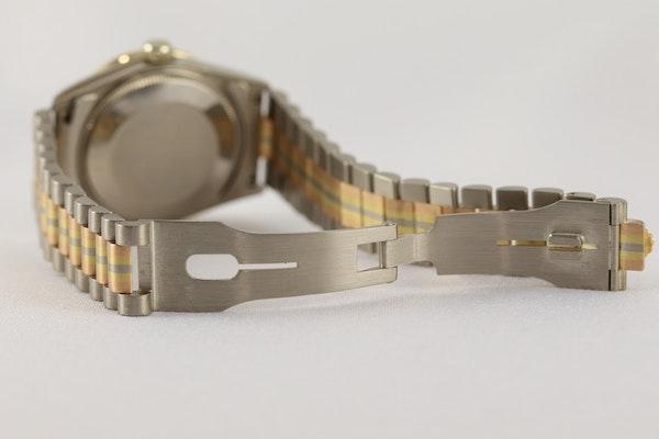 Rolex 18K Tridor Gold. 31mm. Model 68149. Midsize. Original Diamond Bezel. Year 1986 - image 9