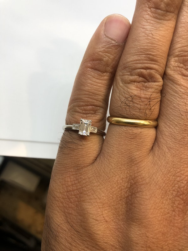 Vintage.71ct emerald cut diamond platinum ring - image 4