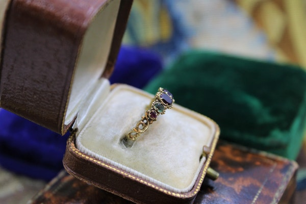 """A very fine example of an early Victorian Gem set """"Regard"""" Ring set in High Carat Yellow Gold, English, Circa 1850 - image 2"""