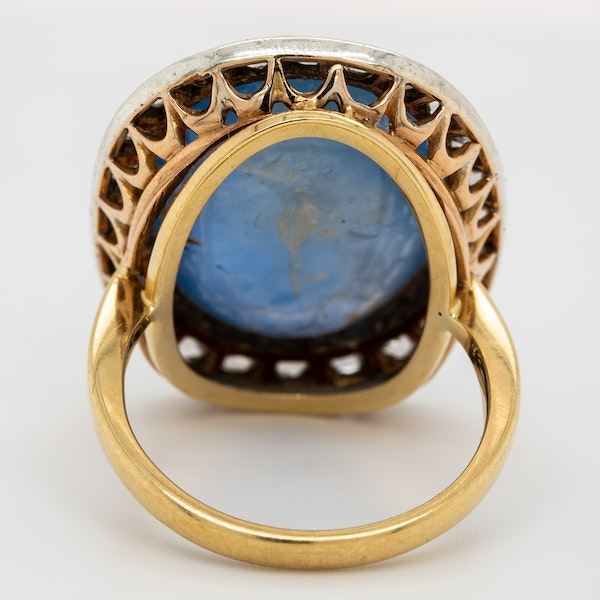 Very large star sapphire cabochon and rose cut diamonds cluster ring - image 3