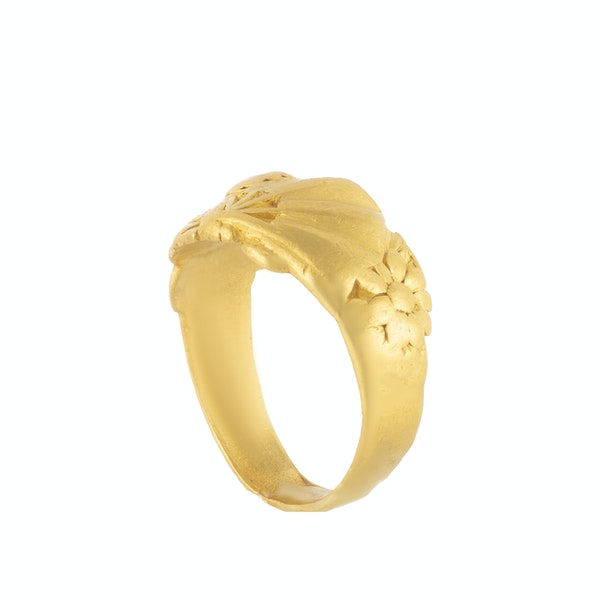 A Gold Chinese Sunbeam Ring - image 2