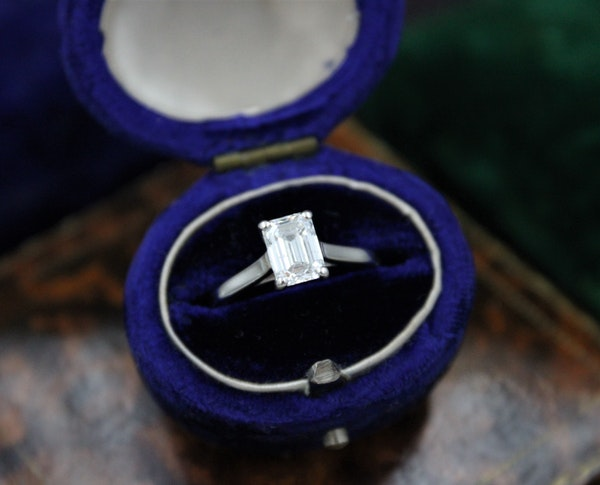 A very fine 0.91ct Emerald Cut Diamond Solitaire Ring mounted in Platinum, Pre-owned - image 1