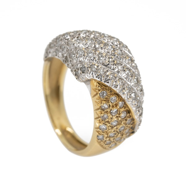 1960s two colour gold pave set diamond ring - image 2