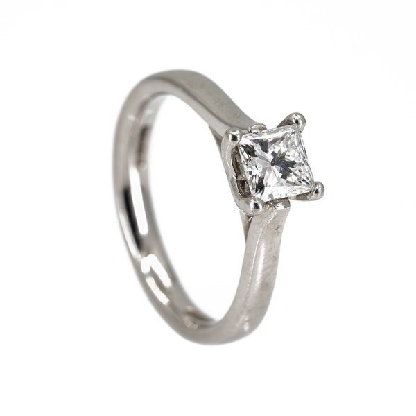Diamond solitaire ring, princess cut. Certificated - image 2