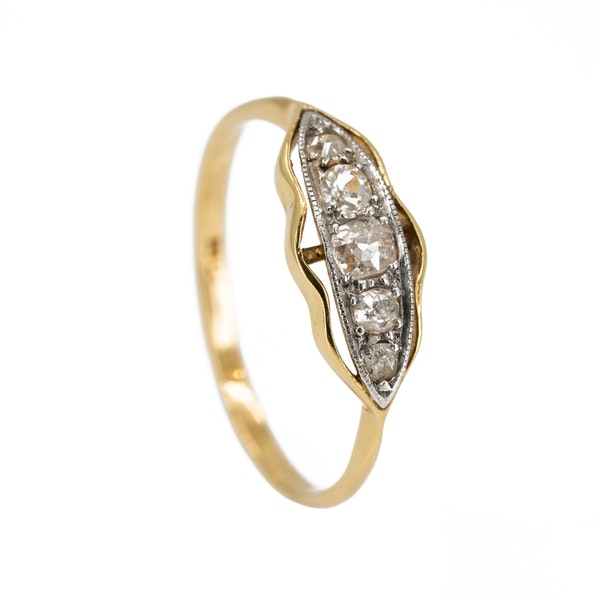 Victorian 5 stone diamond ring in 18 ct gold - image 2