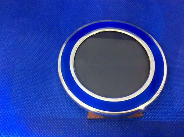 A beautiful silver and enamel frame - image 5