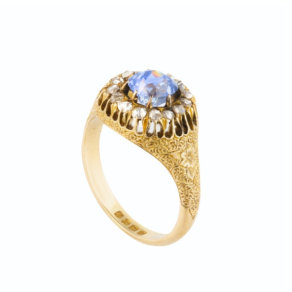 A  Sapphire and Diamond Cluster Ring - image 3