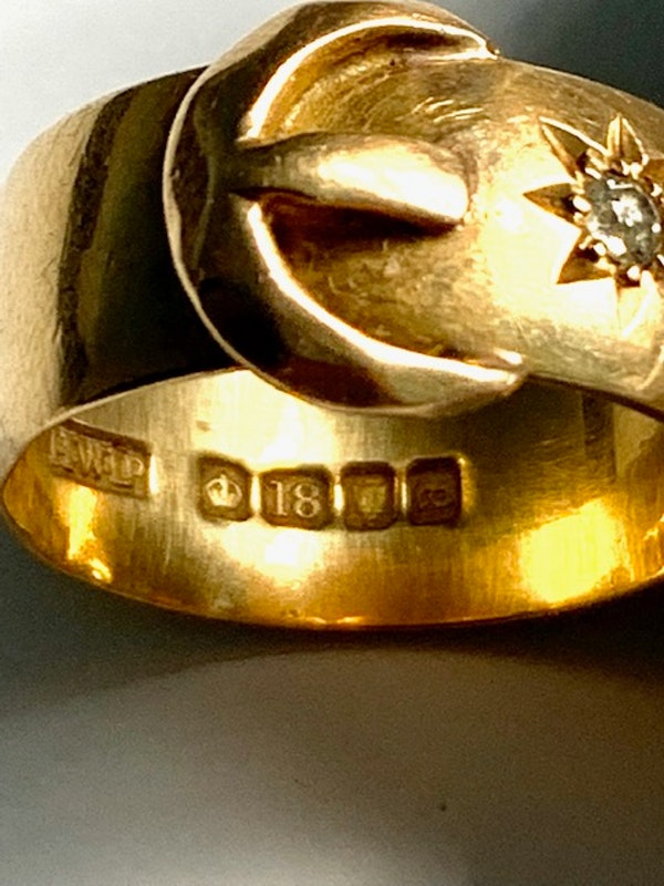 Diamond star design 18ct gold buckle ring. Spectrum - image 4
