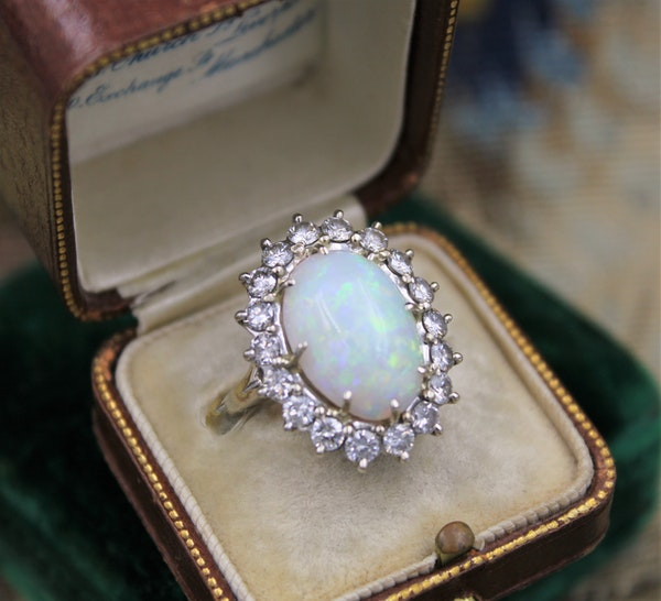 A very fine Opal and Diamond Cluster Ring set in 18ct White Gold, English, Circa 1960 - image 2