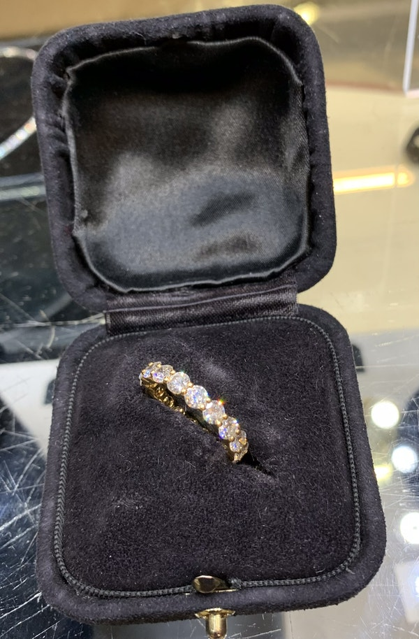 Boucheron eternity band in 18 carat yellow gold - image 2