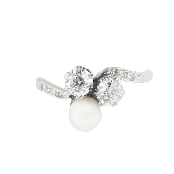 A Diamond and Pearl Ring - image 3