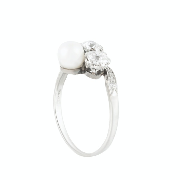 A Diamond and Pearl Ring - image 4