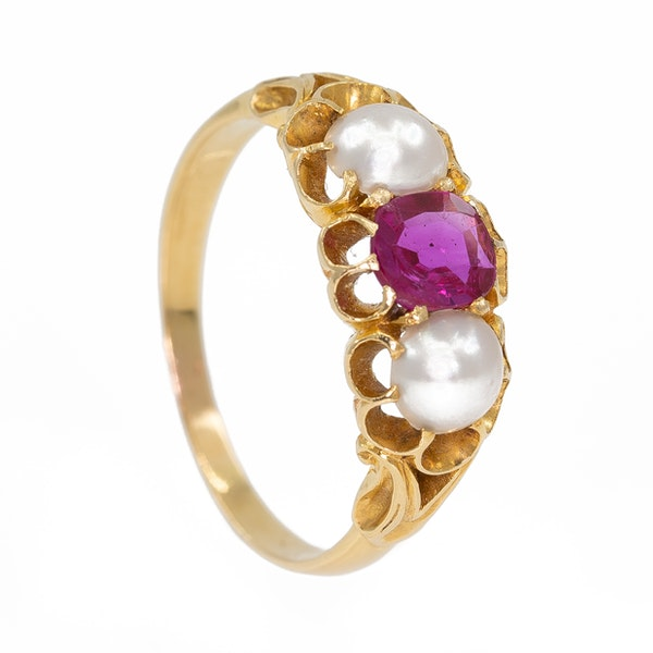 Victoria pink sapphire and pearl  3 stone gold ring - image 2