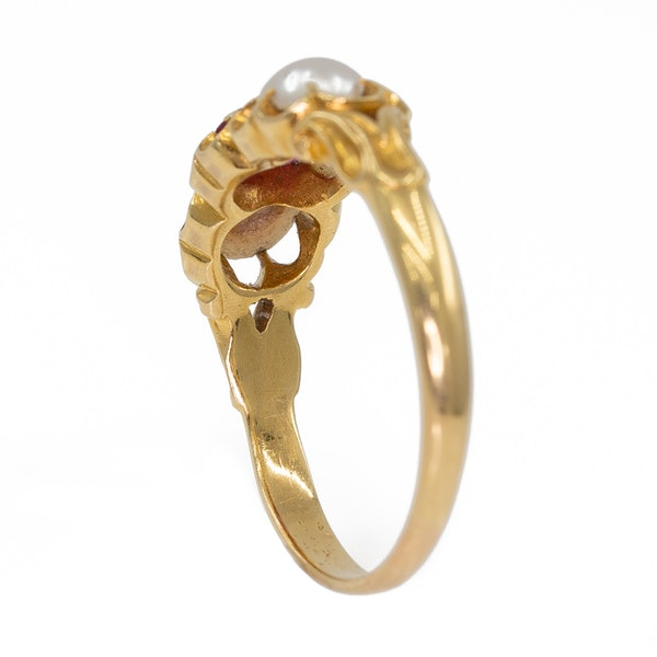 Victoria pink sapphire and pearl  3 stone gold ring - image 3