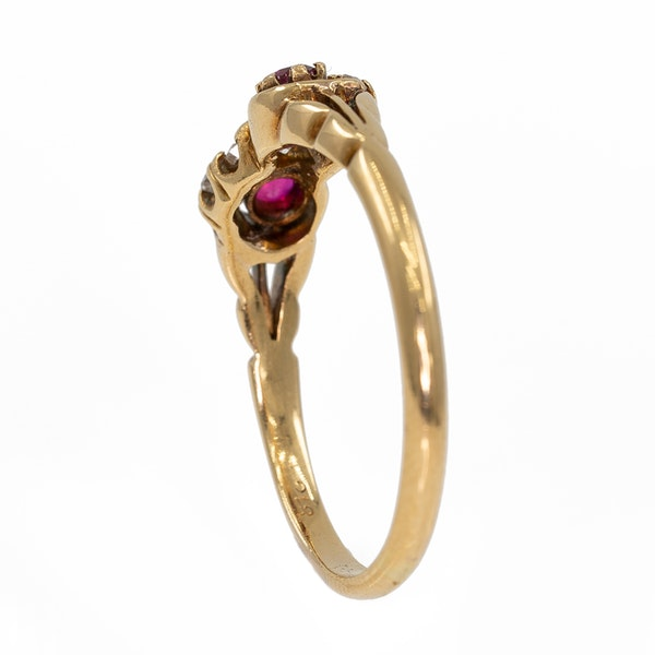 """Victorian ruby and diamond """"twist"""" ring - image 3"""